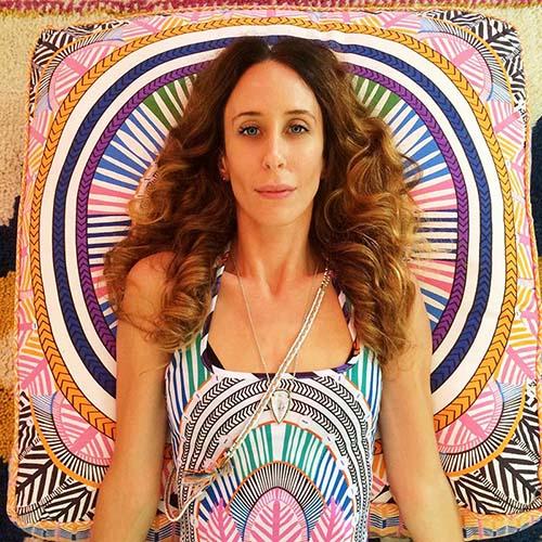 Nhà thiết kế thời trang bền vững Mara Hoffman